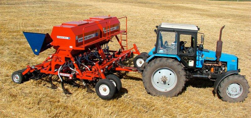 01_seyalka_agromaster-4800-m-s-traktorom-mtz-1221