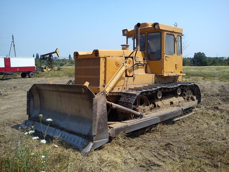 traktor-t-130-3
