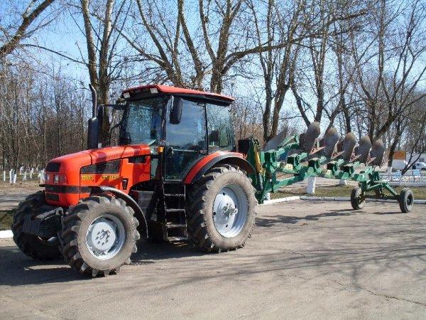 traktor-mtz-1523