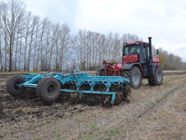 traktor_kirovets_k_744_r1_5